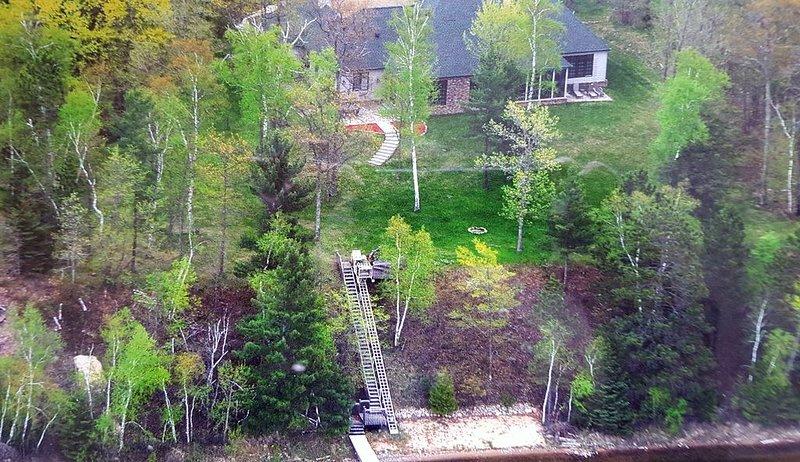 Beautiful Executive Lake Home in Grand Rapids, Minnesota, holiday rental in Deer River