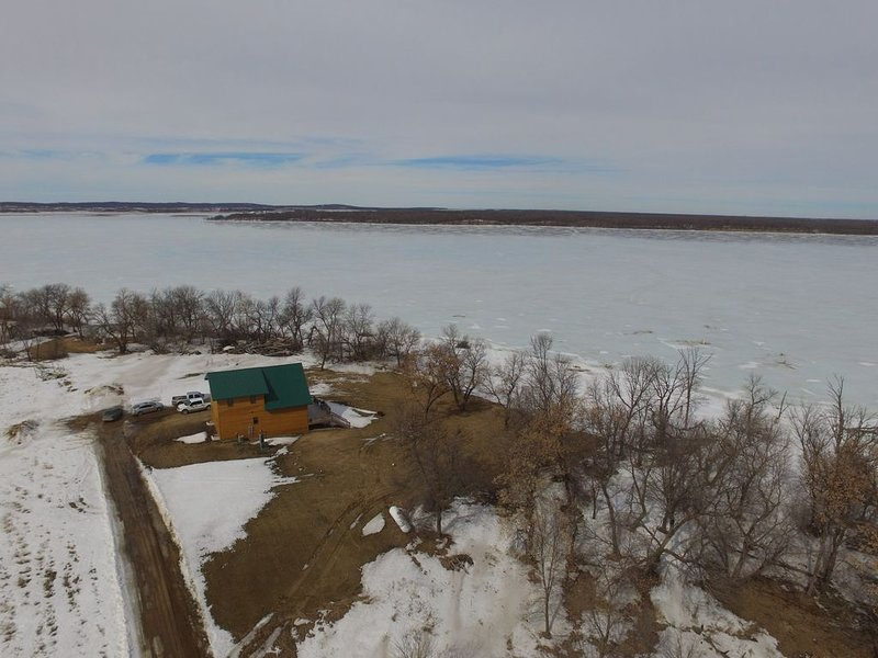 Cabin on Devils Lake, vacation rental in North Dakota