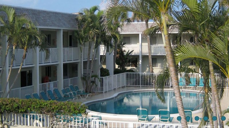 Ocean Front ~ No Streets To Cross!  Come And Enjoy A Memorable Beach Vacation!, holiday rental in Holmes Beach