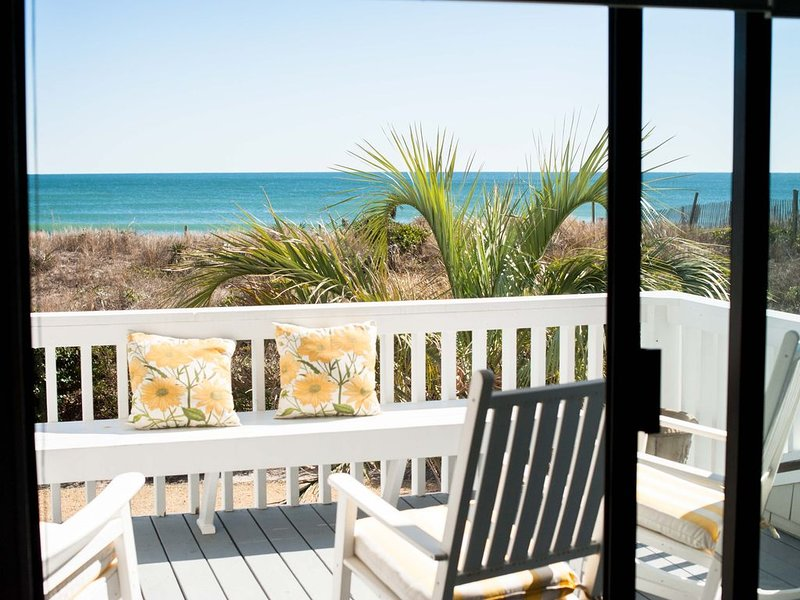 Ocean Front 3 Bedroom Condo, holiday rental in Wrightsville Beach