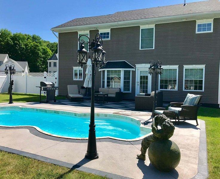 Back Yard W / Pool