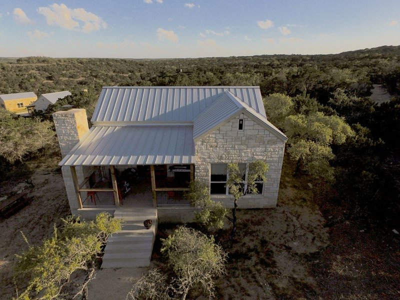 The Pauline, a Luxury One Bedroom Casita at Hill Country Casitas, vacation rental in Dripping Springs