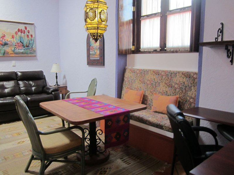 Luxury One-bedroom Apartment In The Heart Of The Historic Center, vacation rental in Queretaro City
