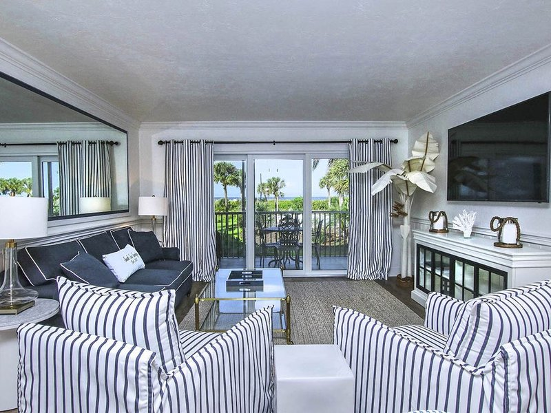 South Seas Serenity Luxury Beach Condo, vacation rental in Saint James City