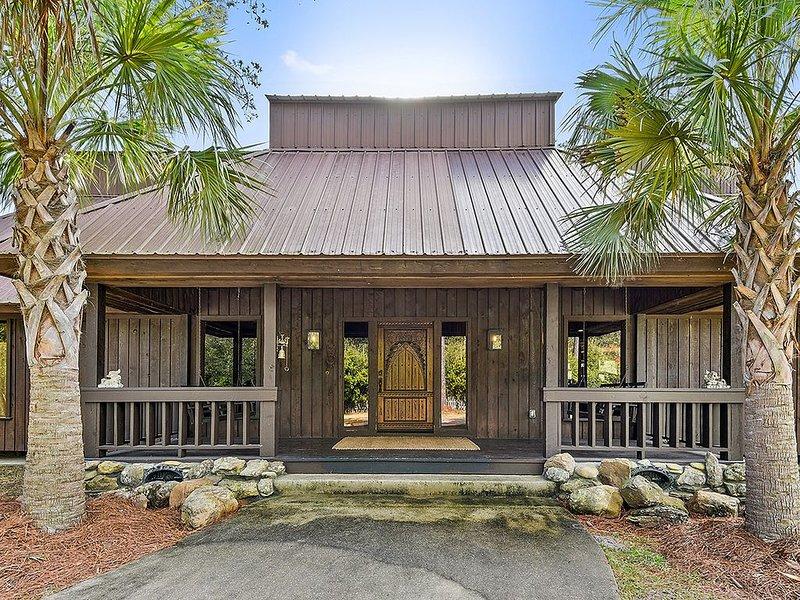 Breathtaking Bayou Estate, holiday rental in Slidell