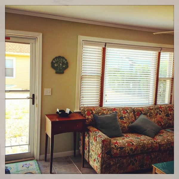 Lavallette Center:Charming MidCentury Cottage, Ideal for Couples or Small Family, holiday rental in Lavallette