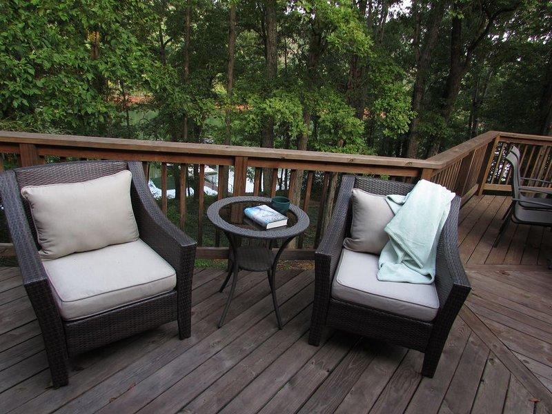 5 Bedroom Lakefront House 10 miles from Clemson University, location de vacances à Clemson