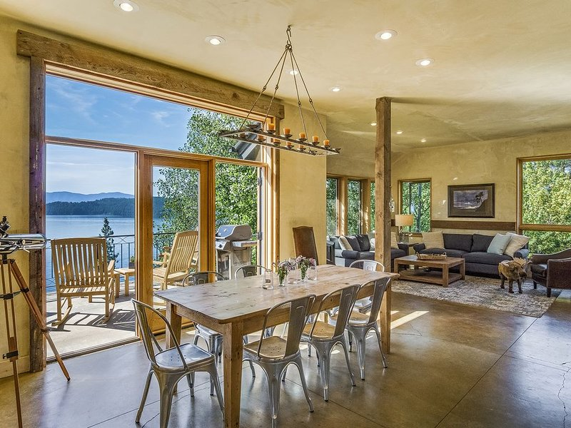 Lake Pend Oreille Retreat, holiday rental in Hope