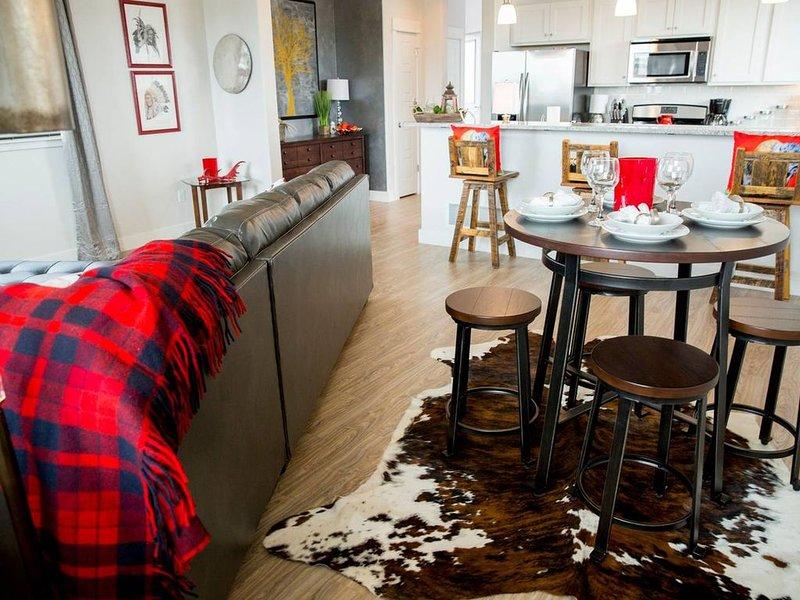 Cool Bozeman/Western Modern Condo, holiday rental in Four Corners