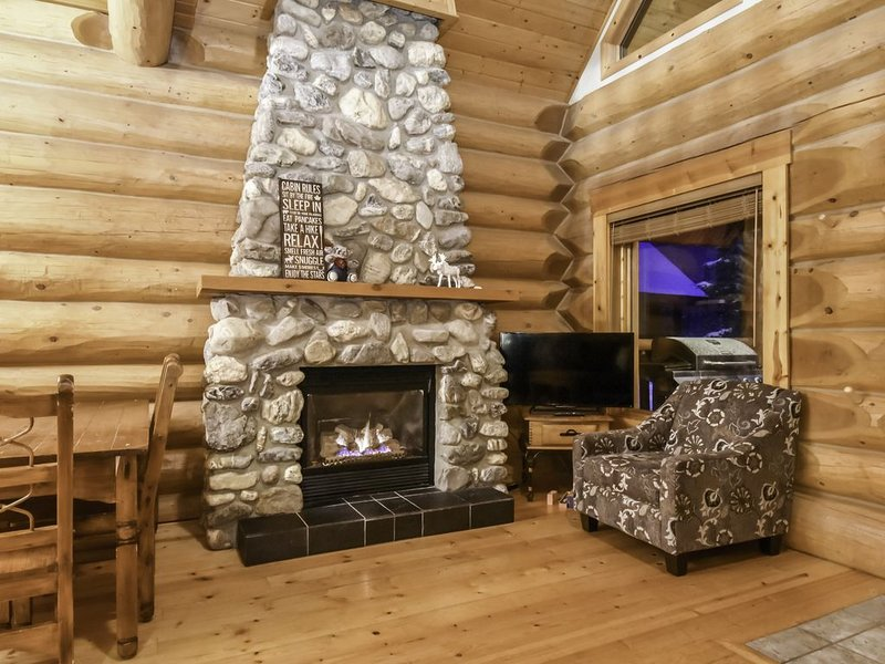 ✿Wonderful Rockies Cabin Getaway for Hike orSki✿, aluguéis de temporada em Field