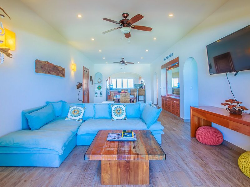 Luxury two bedroom ocean front condo at Isla 33, holiday rental in Playa Mujeres