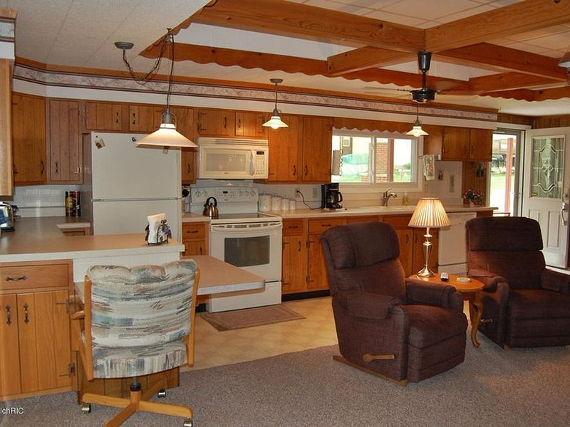 On Scenic School Section Lake - Bay's Landing Lakehouse, alquiler vacacional en Mecosta County