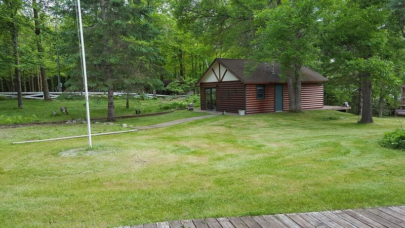 Cozy Cabin on Blackwater Lake near Longville, MN, holiday rental in Longville
