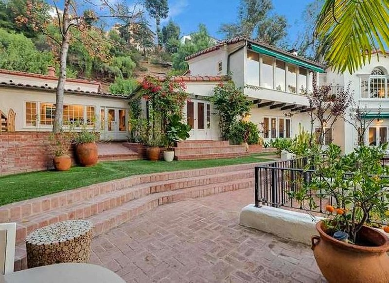 Casa Hollywood - Gorgeous and Peaceful Spanish Home in the Hills, alquiler de vacaciones en West Hollywood