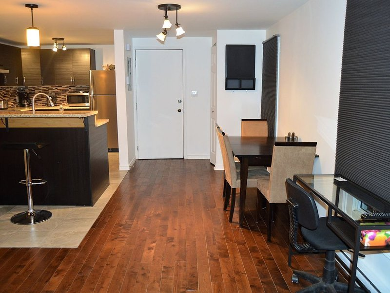 Great location in the heart of Plateau Mont Royal!, vacation rental in Montreal