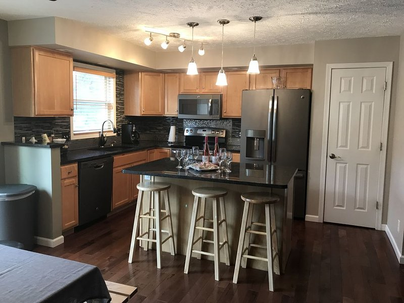 A Quiet Country Getaway sleeps up to 23, holiday rental in Haslett