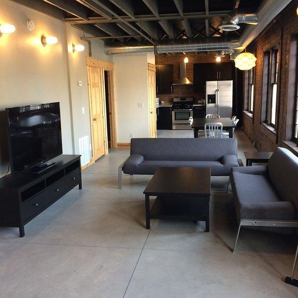 Salon, salle à manger et cuisine