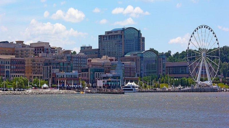 Spacious 2 bedrooom condo, alquiler de vacaciones en Port Tobacco