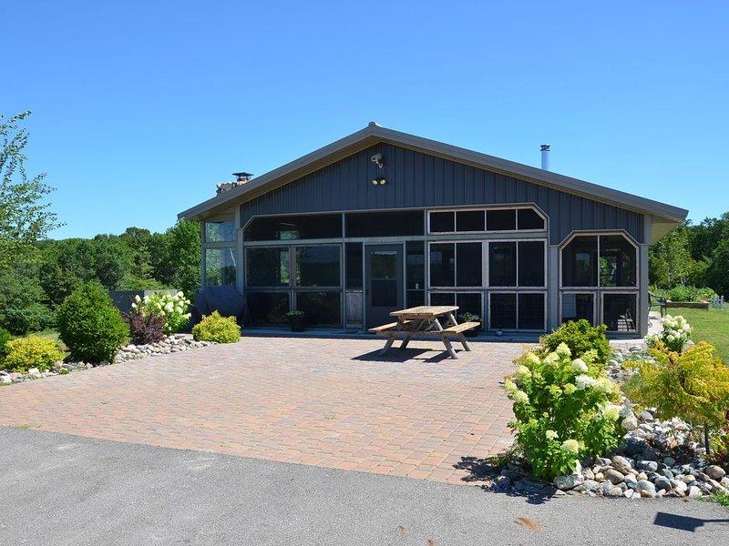 Hardwood Hills Vineyard And Horse Ranch, alquiler vacacional en Detroit Lakes
