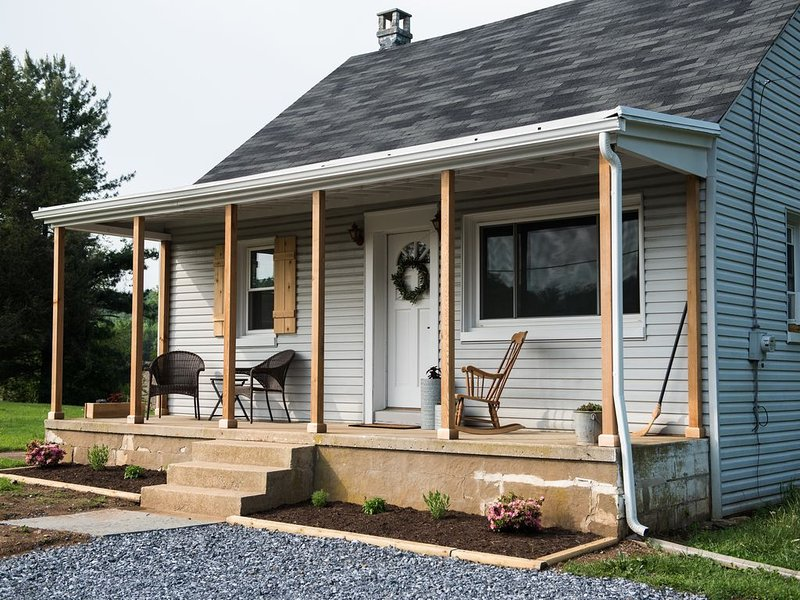 Restful  and Quaint Cottage, vacation rental in Holtwood