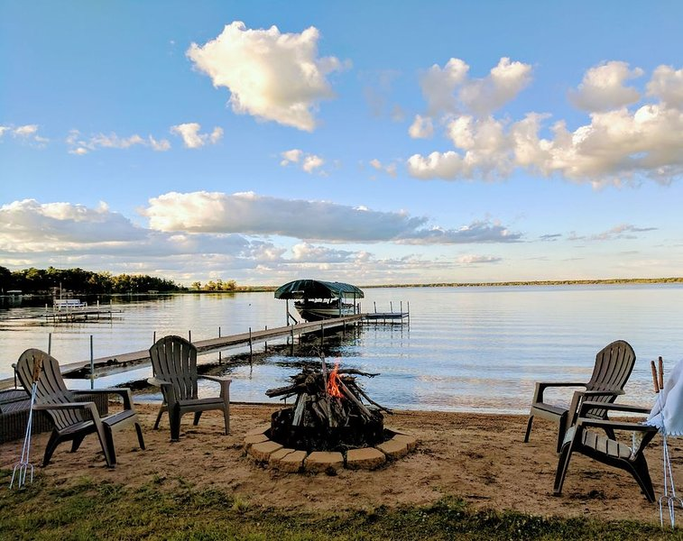 Book Now for an Autumn or Winter Cozy and Relaxing Getaway!, holiday rental in Brainerd