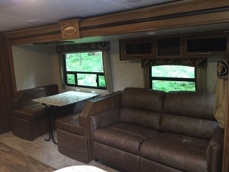 Vacation In a 30'  Travel Trailer, 9 Miles From Glacier National Park, Ferienwohnung in Hungry Horse