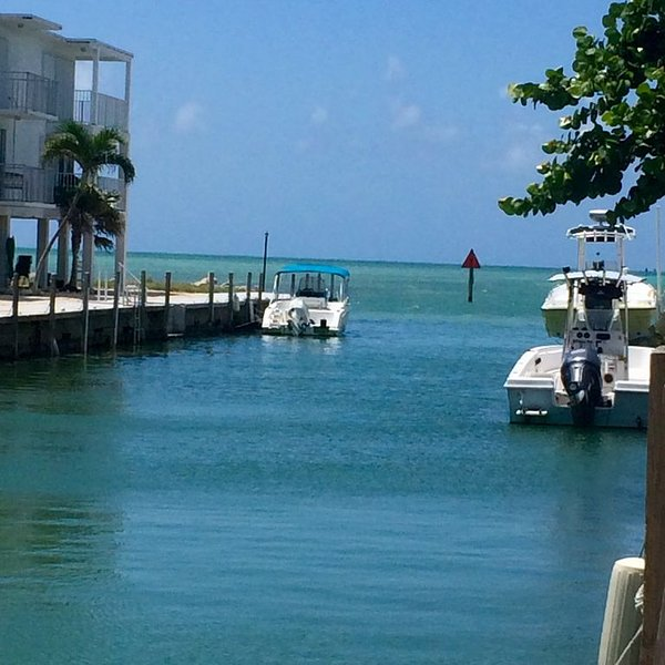 Enjoy the keys updated 3/2home on a canal in marathon 7 day min disc for 30days+, casa vacanza a Grassy Key