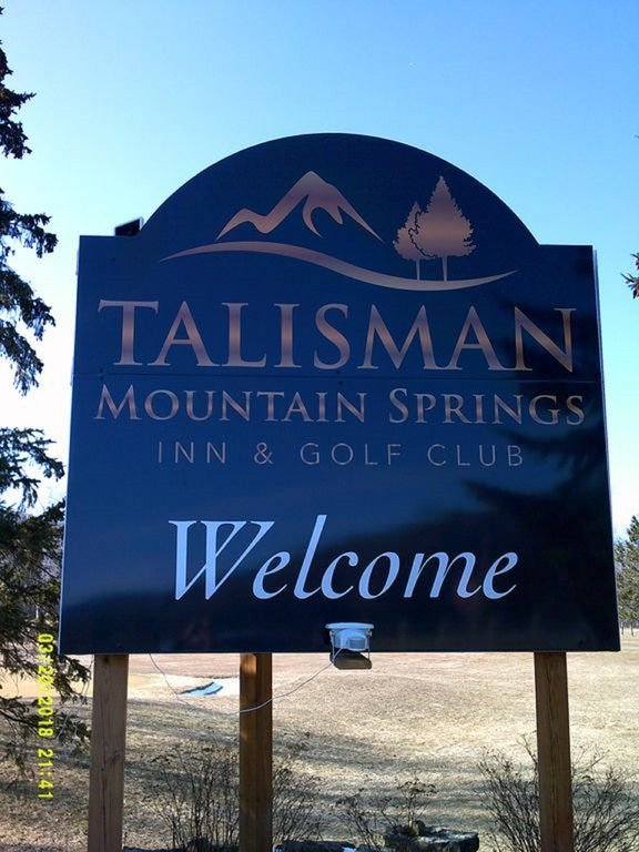 Talisman golf course is 9 holes and a 7 minute drive from the cottage.