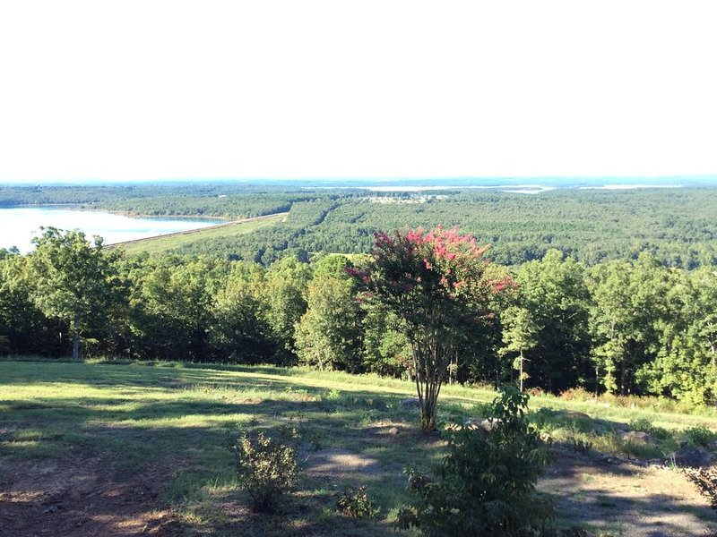 Great couples getaway with amazing views, vacation rental in Heber Springs