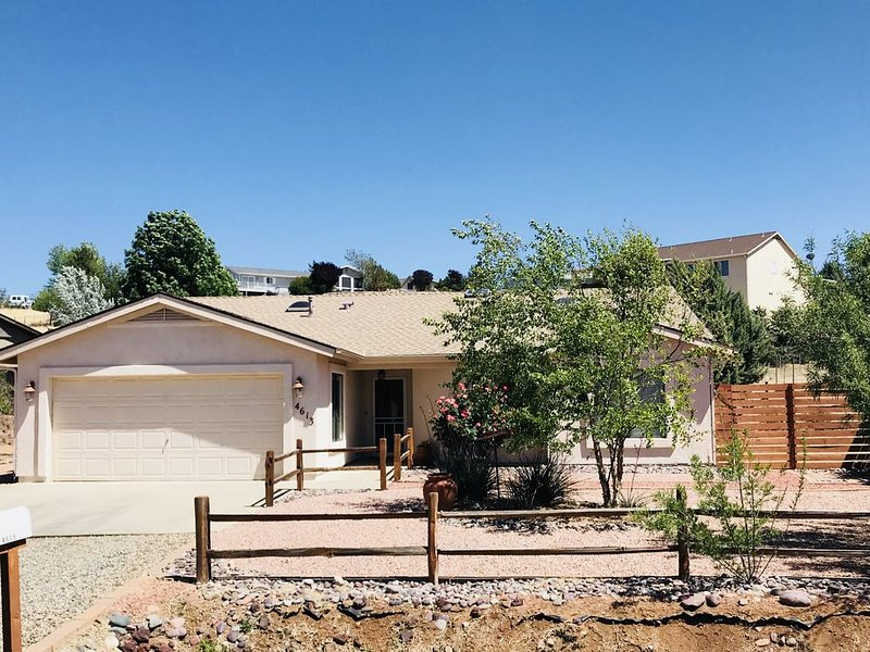 Enjoy a Relaxing Getaway at our Cottage in Prescott Valley, location de vacances à Prescott Valley
