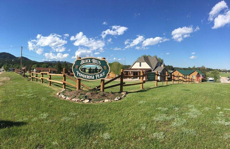 Family Friendly Cabin, casa vacanza a Custer