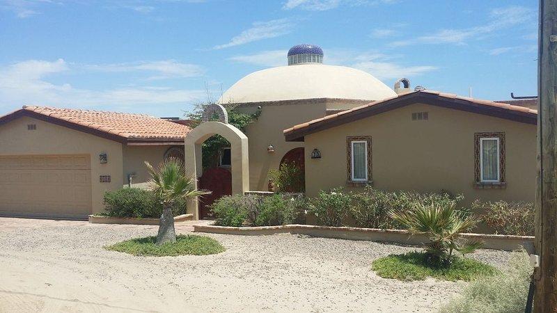 10% off October weekdays!!  Seaside Villa by the Beautiful Sea of Cortez!, vacation rental in Puerto Penasco