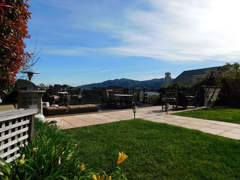 Beautiful Hilltop House With Stunning Views Towards The Bay And San Francisco, alquiler de vacaciones en Mill Valley