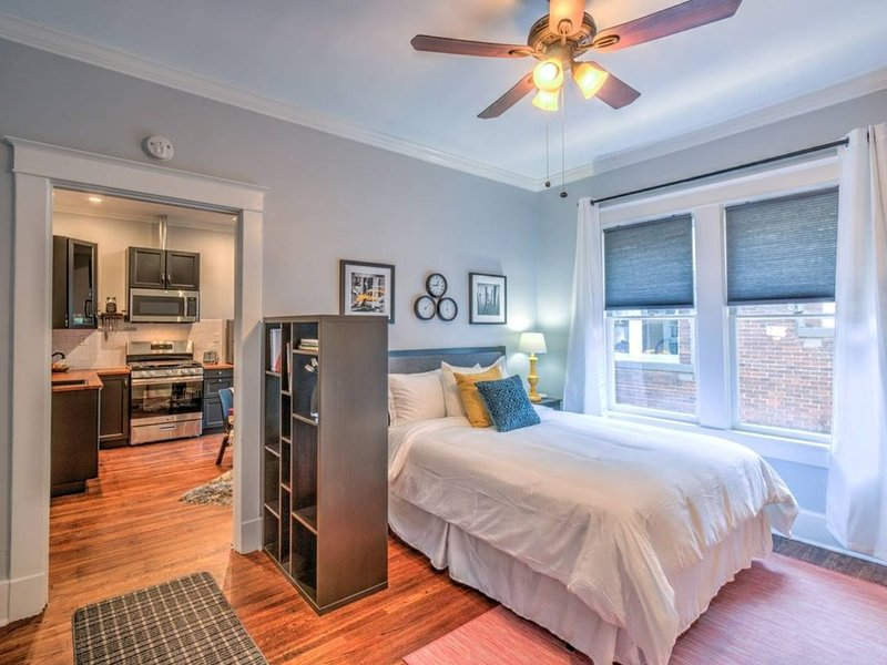 Historic Details with Modern Comforts in Midtown!, vacation rental in Memphis