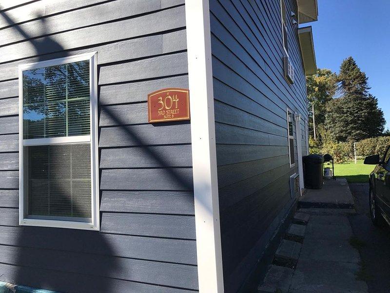 Entrance Suite B