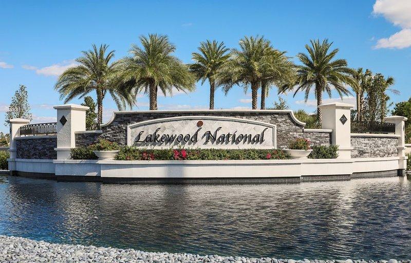 TRUE Golfer's Paradise W/Resort Living  & Membership Transfer in Lakewood Nat'l, vacation rental in Lakewood Ranch