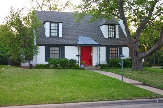 Two blocks from the stadium, holiday rental in Fort Worth