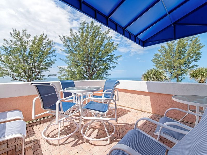 Unit #304 Sand Cay Beach Resort Gulf Front 5 night minimum, holiday rental in Longboat Key
