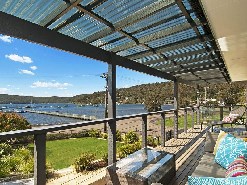 Footsteps to the Bay- Linen & Wifi included, vacation rental in Ettalong Beach