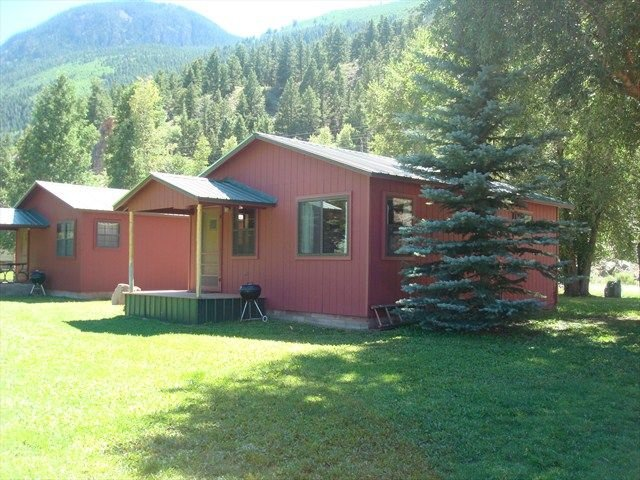 Blue Sky Cabin - Cute Cabin Along the Lake Fork of the Gunnision, holiday rental in Lake City