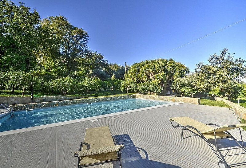 Villa Pascal B, rimborso completo con voucher*: Un caratteristico e accogliente, vacation rental in Naso