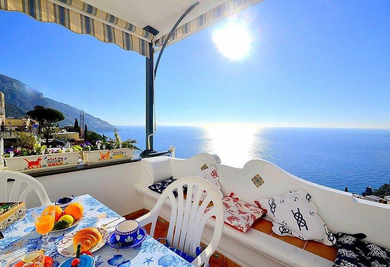 Casa Titina, rimborso completo con voucher*: Una graziosa casa indipendente rivo, vacation rental in Positano