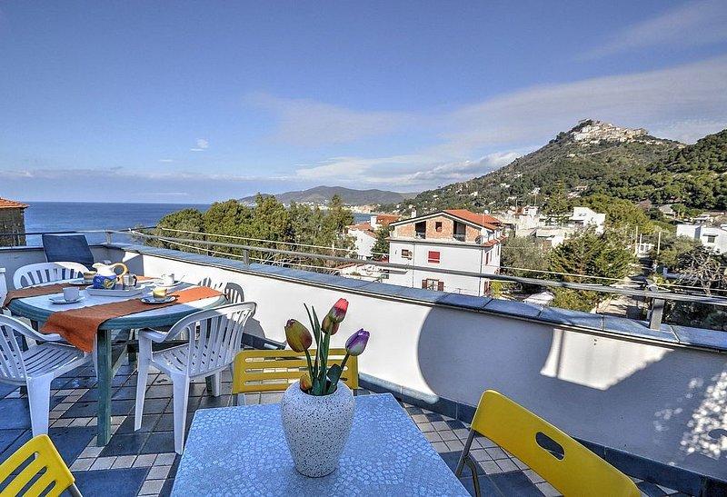 Casa Gloria A, rimborso completo con voucher*: Un accogliente appartamento situa, vacation rental in Castellabate
