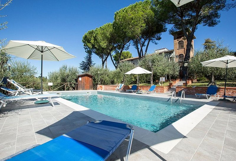Villa Tristano Grande, rimborso completo con voucher*: Una splendida villa su tr, vakantiewoning in Barberino Val d'Elsa