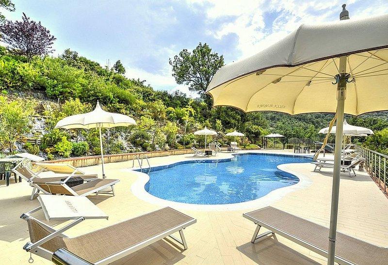 Villa Albatros C: Una caratteristica e accogliente casa indipendente circondata, vacation rental in Cicerale