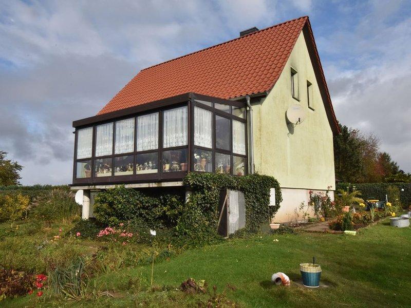 Cosy Apartment in Kröpelin with Garden, holiday rental in Kropelin