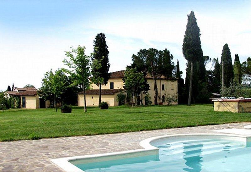 Villa Vinacciolo, rimborso completo con voucher*: Una gradevole e spaziosa villa, alquiler vacacional en Pozzo della Chiana
