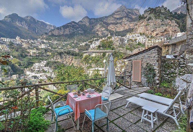 Villa Sebastiana B, rimborso completo con voucher*: Un accogliente appartamento, vacation rental in Positano