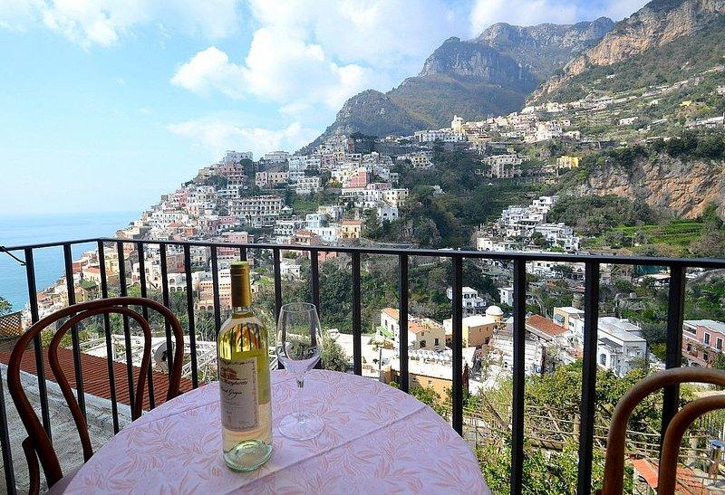 Villa Sebastiana A, rimborso completo con voucher*: Un grazioso appartamento pos, Ferienwohnung in Positano