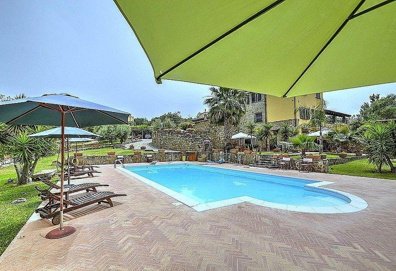 Casa Turchino F, rimborso completo con voucher*: Un accogliente appartamento sit, vacation rental in Alano